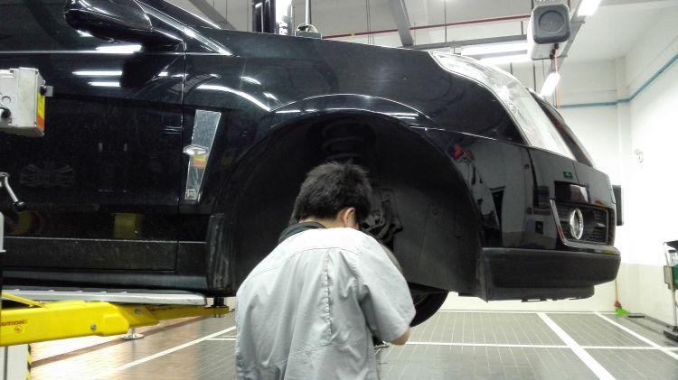 轮胎保养习气,经常检查轮胎,应子细检查轮胎表面是否有开裂、高清图片